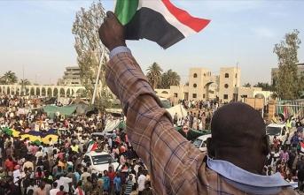 Sudan'ın öne çıkan muhalefet hareketinden gösterilere devam kararı