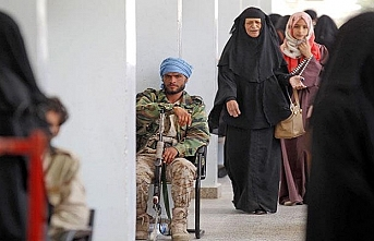 Yemen'de Husiler seçimi boş sandalyeler için yaptı