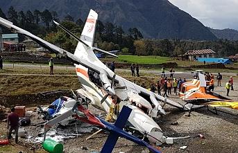 Yolcu uçağı helikoptere çarptı