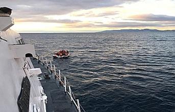 Ayvalık açıklarında göçmenleri taşıyan tekne battı: 9 kişi hayatını kaybetti