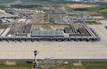 Berlin Havalimanı neden bir türlü açılamıyor?