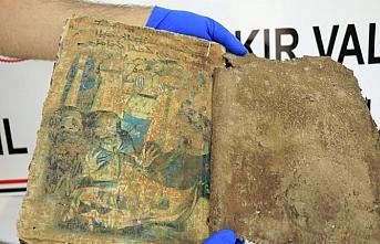 Bin 400 yıllık kitap muhafazaya alındı