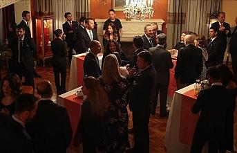 Çavuşoğlu Meksika'daki Türk toplumu ile görüştü
