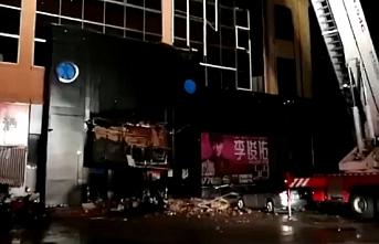 Çin'de binanın çatısı çöktü: 3 ölü, 87 yaralı