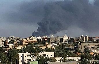 Halife Hafter'e bağlı uçaklar Trablus'un güneyini vurdu