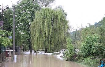 İki günlük yağış Bosna'da hayatı olumsuz etkiledi