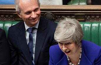 İngiltere Avrupa Parlamentosu seçimlerine katılmak zorunda olduğunu itiraf etti