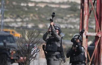 İsrail güçleri 16 Filistinliyi yaraladı