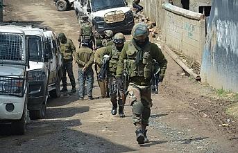 Keşmir'de çıkan çatışmada 3 direnişçi öldürüldü