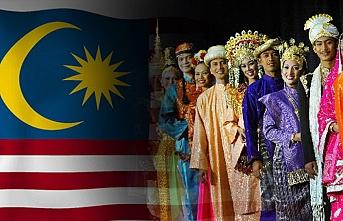 Mahathir'den bir yıllık icraat açıklaması: Tüm etnik grupları memnun edemeyiz