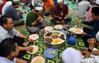 Malezya'da ilk oruç açıldı