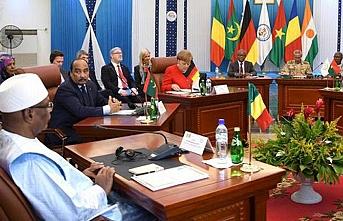 Merkel, Burkina Faso'da G5 Sahel zirvesine katıldı