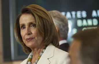 Pelosi, Barr'ı Kongreye yalan söylemekle suçladı