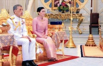 Tayland'ın yeni kraliçesi Orgeneral Ayudhya oldu