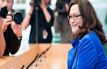 Almanya'da hükümet ortağından istifa açıklaması