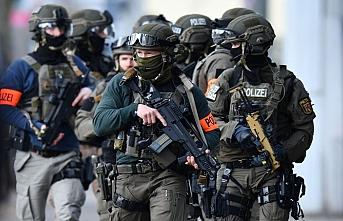 Almanya'da polis ve askerlerden oluşan Neo-Nazi grubu, ölüm listeleri hazırlamış