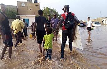 Cezayir'den Libya'ya insani yardım