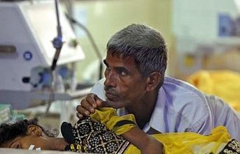 Hindistan'da 'ensefalit' salgını: 145 çocuk hayatını kaybetti