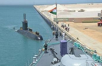Hindistan Körfez'e savaş gemilerini gönderdi