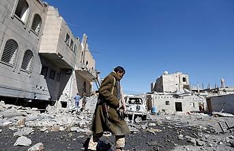 Husiler Suudi Arabistan'daki 2 havalimanına İHA ile saldırdı