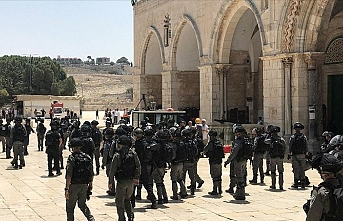 İsrail işgal güçlerinden bayram öncesi Mescid-i Aksa'ya baskın