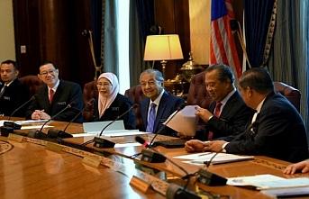 Malezya'da kabine üyelerine sıradışı yasak