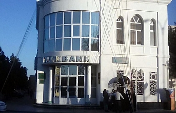 Türkmenistan Bankaları ülke içinde para transferi hizmeti vermeye son verdi