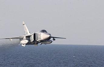 9 askeri uçağı maç taraftarlarına tahsis ettiler