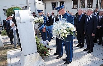 Cumhurbaşkanı Erdogan, Aliya İzetbegoviç'in kabrini ziyaret etti