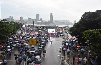 Hong Kong'da polise destek için gösteri düzenlendi