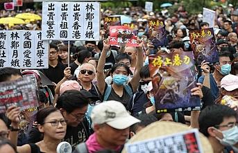 Hong Konglular iade yasasını protesto etmeye devam etti