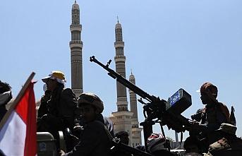 Husiler bu sabah Hudeyde kentine takviye güç gönderdi