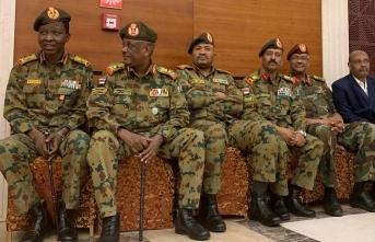 Sudan'da AGK'ye darbe girişimi: Genelkurmay Başkanı tutuklandı