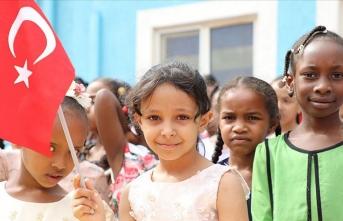 TMV Etiyopya'da FETÖ okullarını devraldı