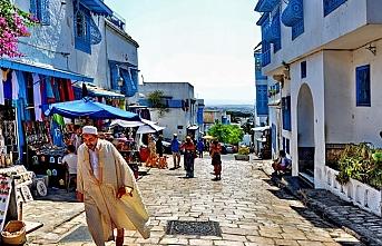 Tunus'ta cumhurbaşkanlığı seçimleri öne çekilecek