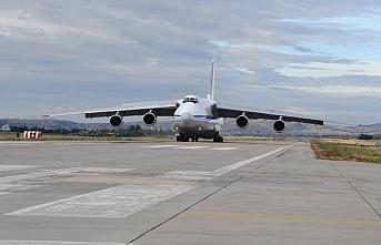 Uçaklar Türkiye'ye peş peşe iniyor