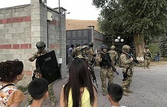Atambayev'in evine düzenlenen silahlı operasyon yarıda kesildi