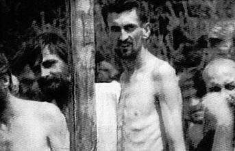 Bosna'da toplama kampında hayatını kaybeden 700 kişi törenle anıldı