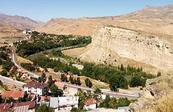 Erzincan'da bir terörist silahıyla yakalandı