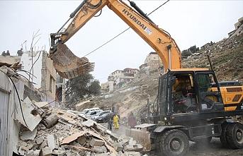 İşgalci İsrail askerleri Şeria'nın batısında Filistinlilere ait evi yıktı