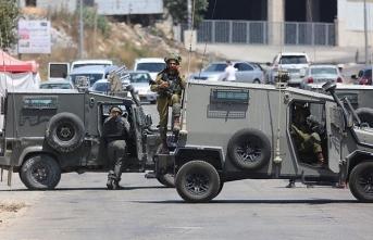 İsrail ordusu Ramallah'ın batı girişini kapattı