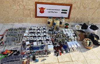 Jandarma MİT'in Suriye'nin kuzeyine operasyonunda  1 ton patlayıcı ele geçirildi