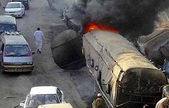 Kongo'ya giden petrol tankeri Uganda'da patladı: 20 ölü