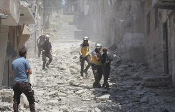 Rus savaş uçakları İdlib'e saldırdı: 13 ölü