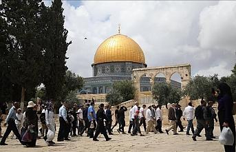 Rutin hale getirdiler: Fanatik Yahudilerden Mescid-i Aksa'ya baskın