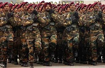 29 bin Keşmirli genç fakirlik yüzünden Hint ordusuna kaydoldu