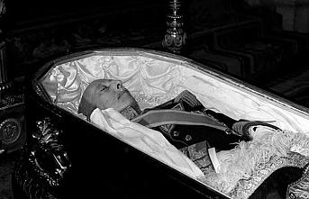Diktatör Franco eşinin yanına taşınıyor