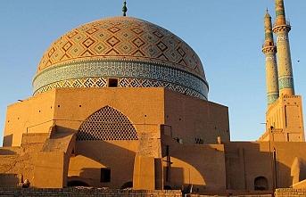 İranlı milletvekilinden Tahran'da Sünniler için cami isteği
