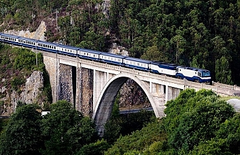 İspanya'da 360 yolcu treni seferi iptal edildi