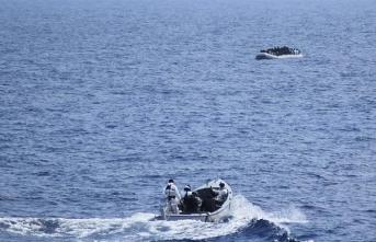 İtalya 90 düzensiz göçmeni denizden kurtardı